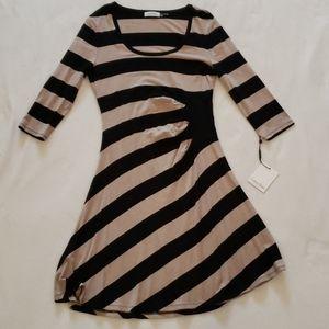 Calvin Klein NWT 3/4 sleeve A line dress size 8